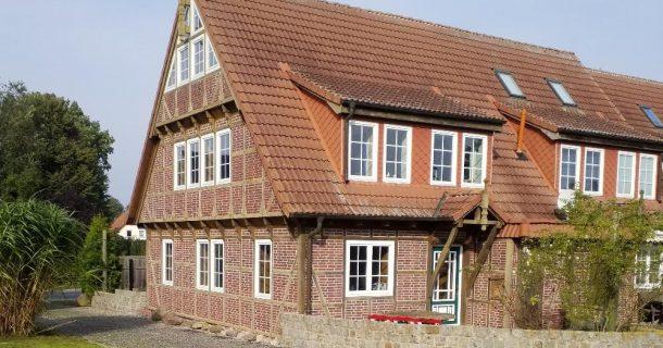 Doppelhaus-Hälfte