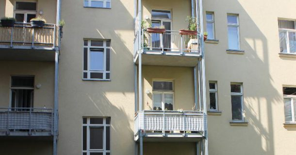Blick v. Hinterhof