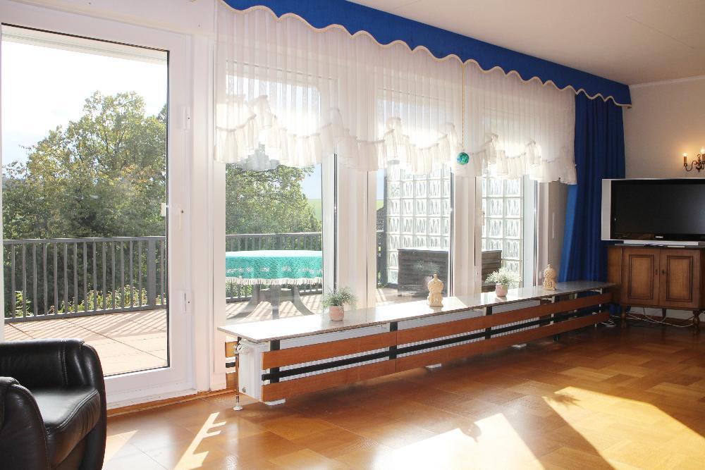 riesige Fensterflächen